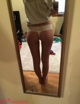 Florie, 26 years old French escort in Nice